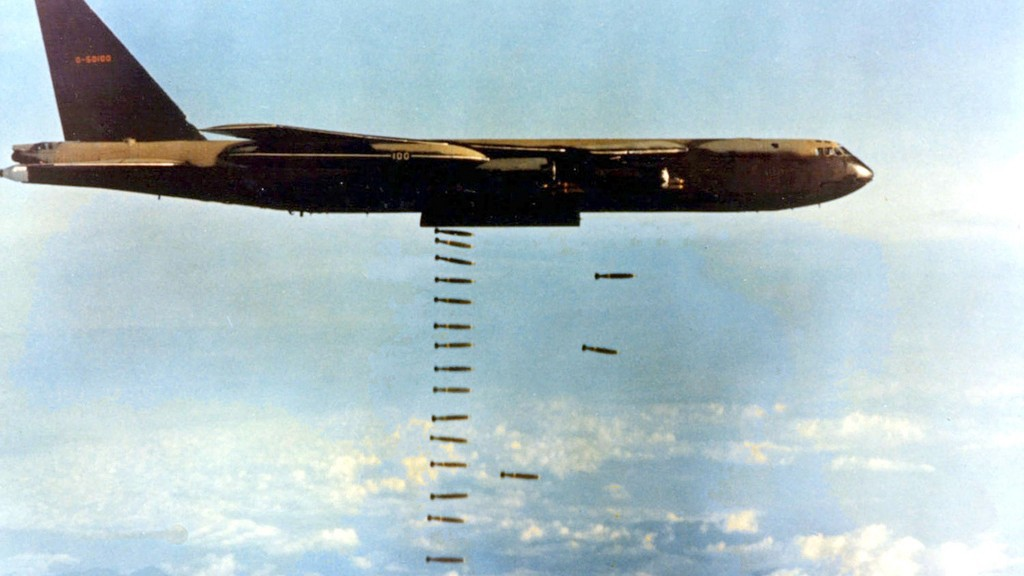 vietnam_12_february_1974__us_air_force_boeing_b52d60bo_stratofortress-1024x576